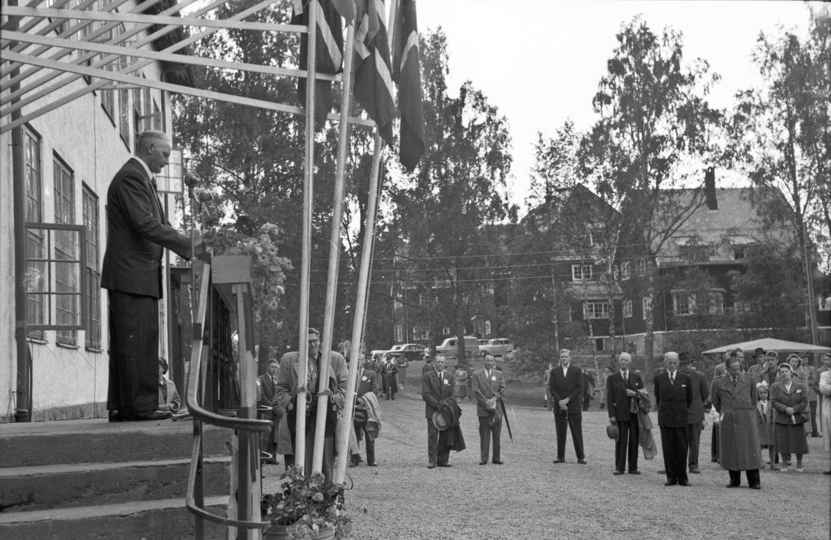 Fra Bygdeutstillingen 1955.