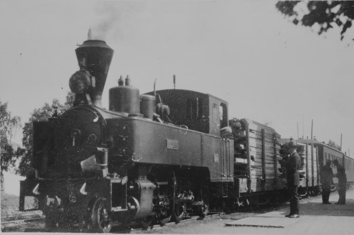Tog fra Skulerud ankommer Sørumsand stasjon