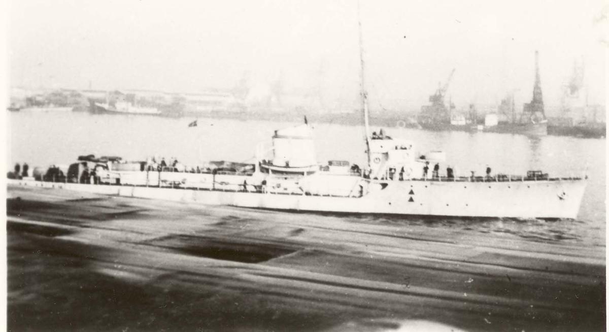 Motiv: Torpedoboot PANTHER (Ex jageren Odin) Styrbord side