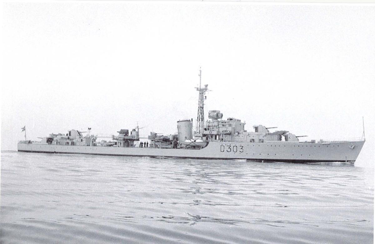 C-kl.jager KNM Oslo, styrbord side.
