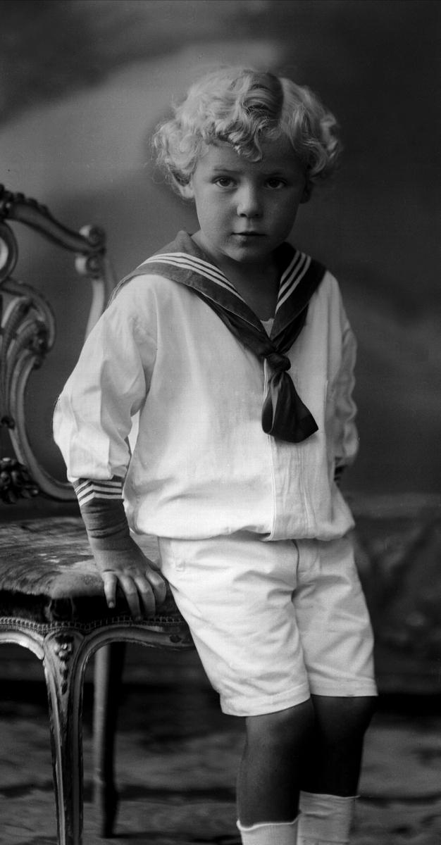 Anders Beer Wilse (født 12. juni 1865 i Flekkefjord, død 21. februar 1949 i Oslo) var en norsk fotograf. Han er kjent for sin dokumentasjon av Norge, men var også portrettfotograf.