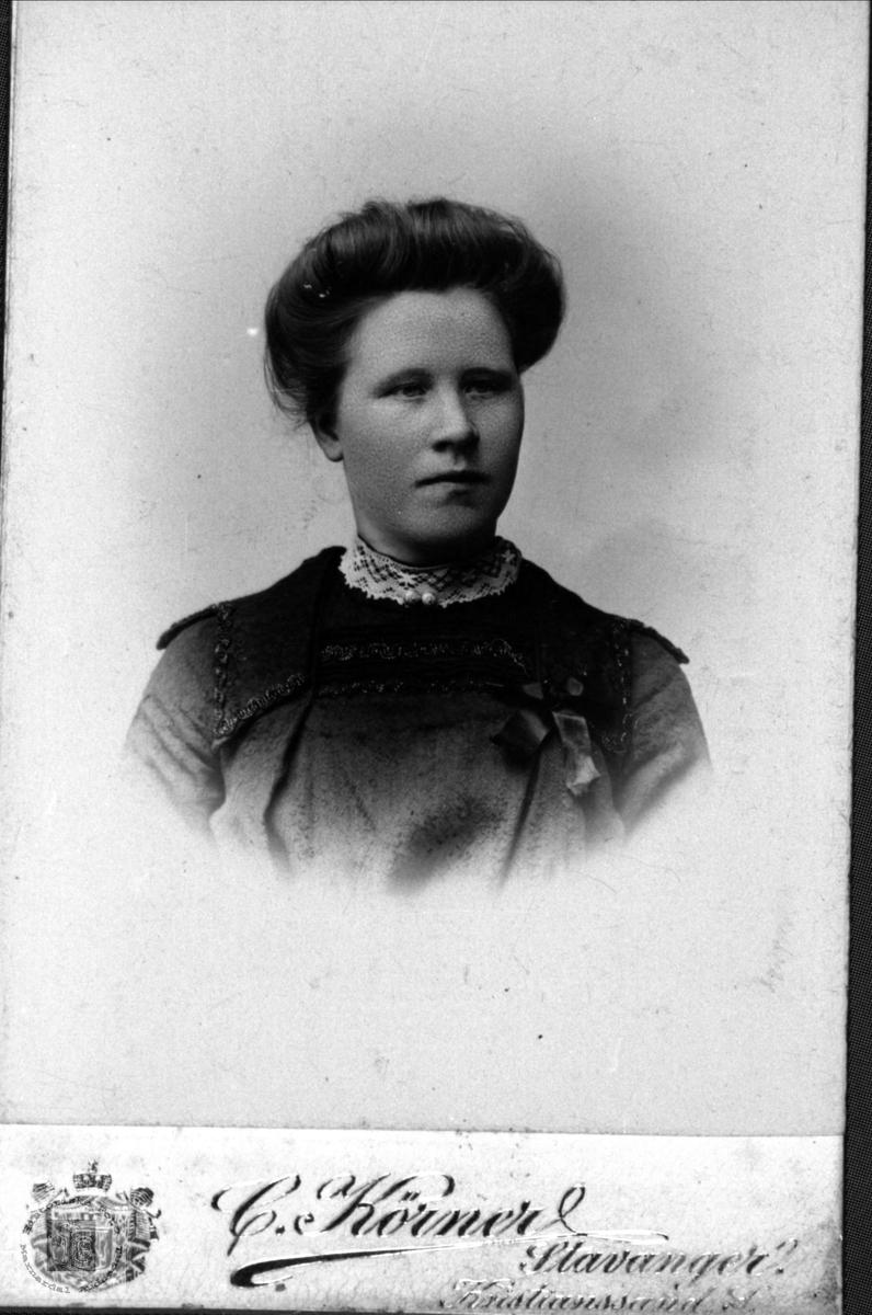 Portrett av Kari Skjeggestad, Bjelland.