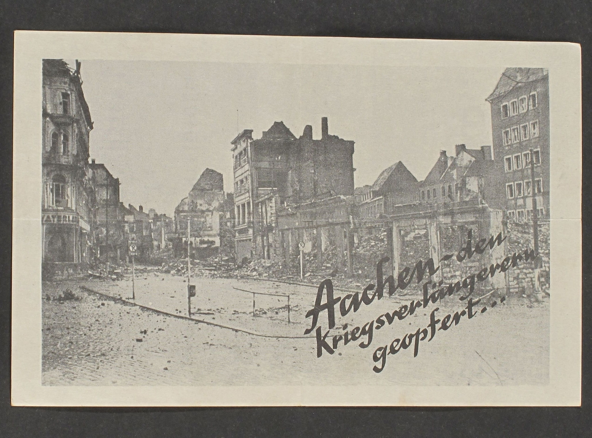 By i ruiner etter krigshandlinger, gatebilde fra Aachen.