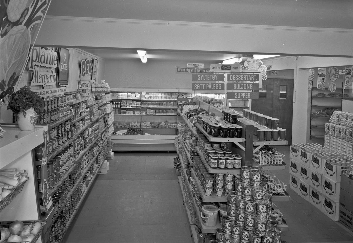 Dagligvareforretning/selvbetjeningsforretning eller supermarked.