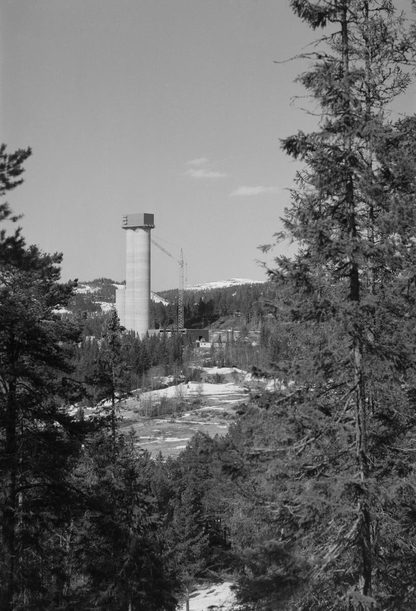 Byggingen av Astrup sjakttårn, Løkken Verk.